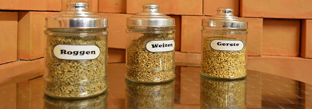 Aus Roggen, Weizen und Gerste entstehen die Whiskies bei PUNI