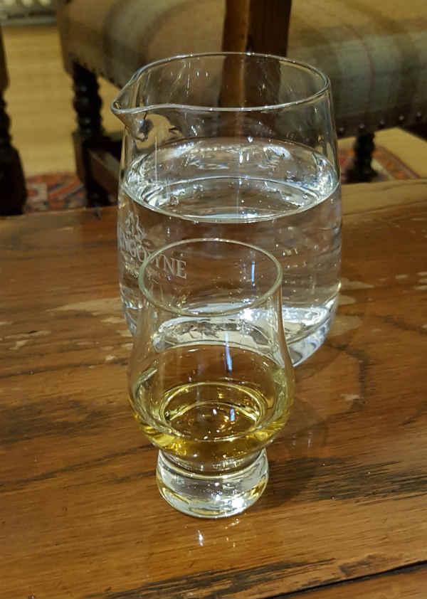 Mit einem Dram des zwöfjährigen Glengoyne startet eine Tour durch die wunderschön gelegene südlichste Destillerie der Highlands.