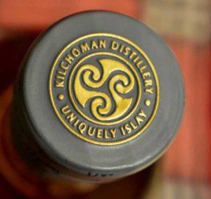 Whiksykapsel mit dem Logo der Kilchoman Destillerie